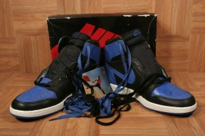 ShoeZeum May - Jordan 1 OG Blk Blue