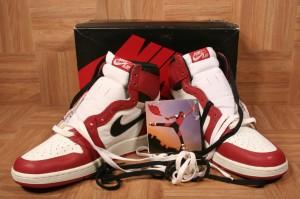 ShoeZeum May - Jordan 1 OG Blk Red