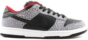 7d27b2b096ccd Nike-Dunk-SB-Low-Supreme-Black-Cement-2002